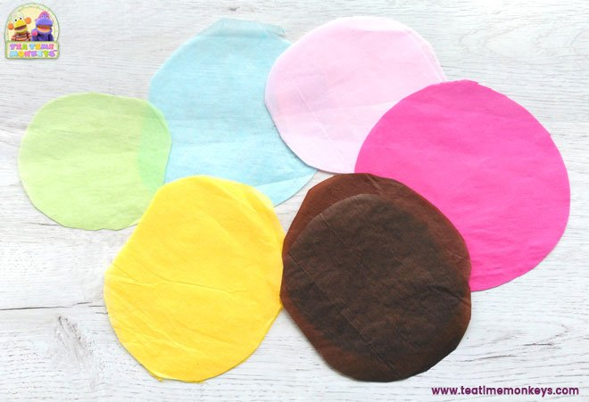 Play food - easy cupcake craft tissue circles - Tea Time Monkeys