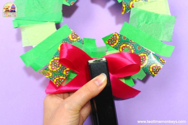 Easy Christmas Wreath Craft for Preschoolers - Step 5 - Tea Time Monkeys